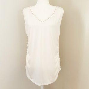 Thalia sodi sleeveless rushed white top